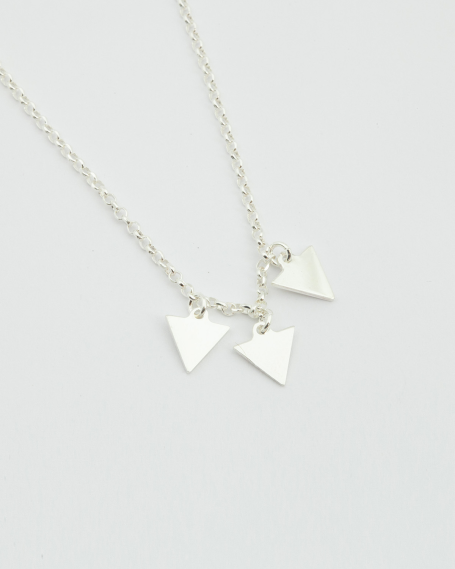 THREE TRIANGLES NECKLACE / POLISHED FINISH