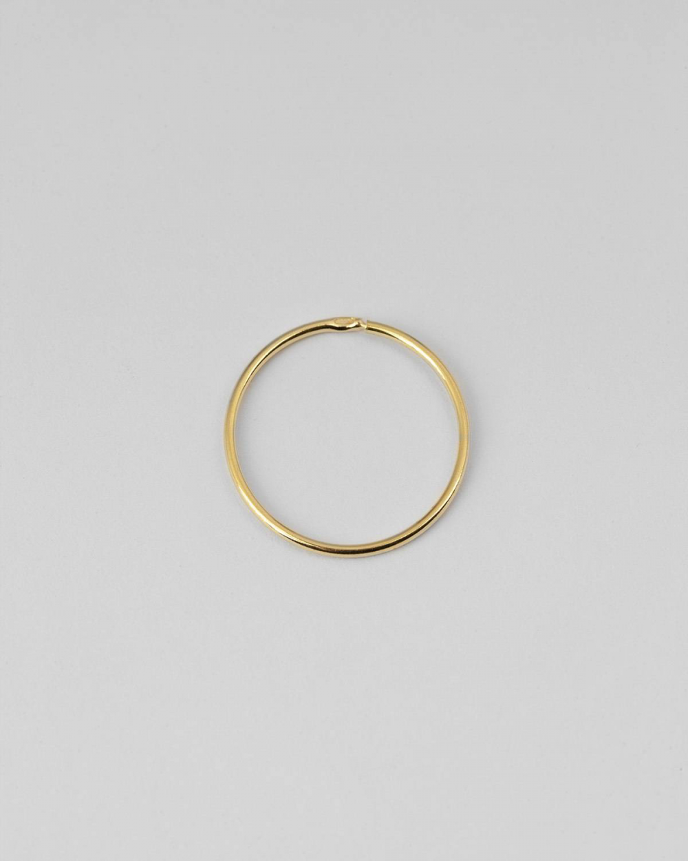 YELLOW GOLD MINI SINGLE HOOP EARRING 012 D20